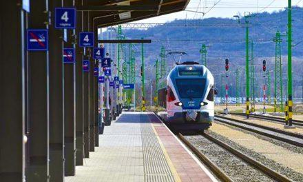 Az esztergomi vasútvonalon mától gyorsabban juthatsz be a városba