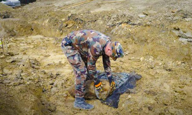 Aknavetőgránátot találtak a 6-os út mellett, lezárás lesz
