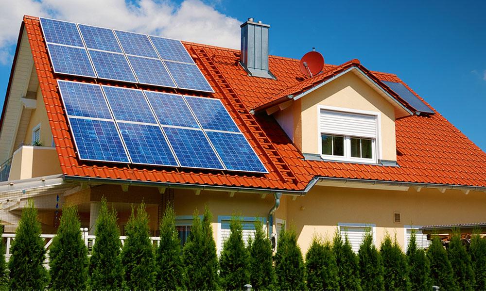 Vigyázat! Ezeket a cégeket kerüld el ha napelemet rakatnál a házadra