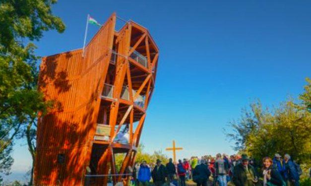 Három csodaszép kilátót építenek Budapest környékén