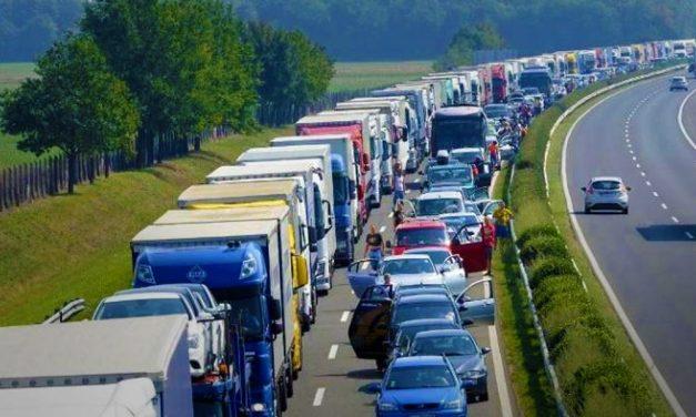 Több kilométeres a dugó az M3-ason Budapest felé