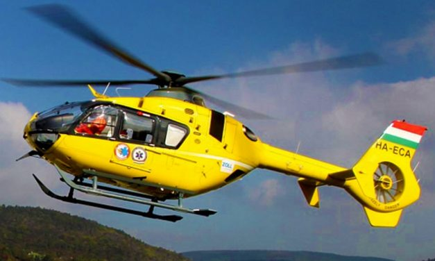 Elsodort egy embert egy autó Gödnél, mentőhelikopter a helyszínen