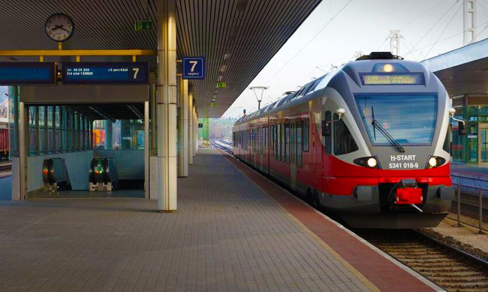 Sok elővárosi vonat menetrendje változik, csütörtökön bezár a Déli pályaudvar!
