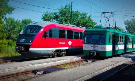 Ne lepődj meg! Piros vonatokkal is találkozhatsz hétfőtől a ráckevei HÉV-vonalon
