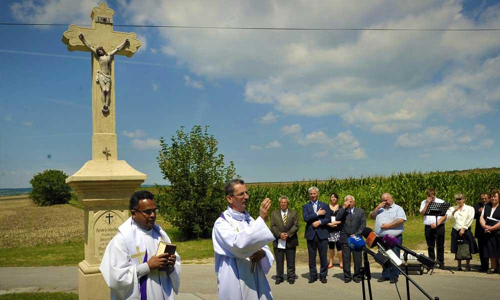 Megszépült a kereszt, tisztelgés az elődök előtt Budajenőn