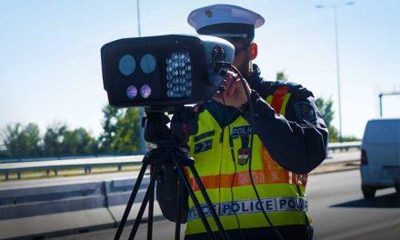 Új traffipax jöhet a magyar utakon, átlagsebességet mérnének