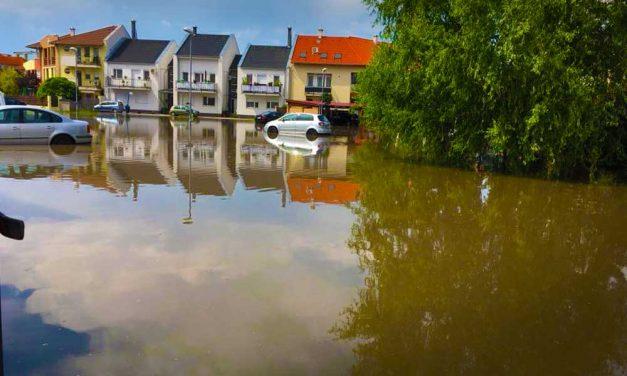 Elárasztott utcák, illegális csatornázás, mérges dunakesziek – most nagyot léphet előre a város az áradások elleni harcban
