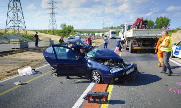 Halálos baleset miatt lezárták azM2-es autóutat