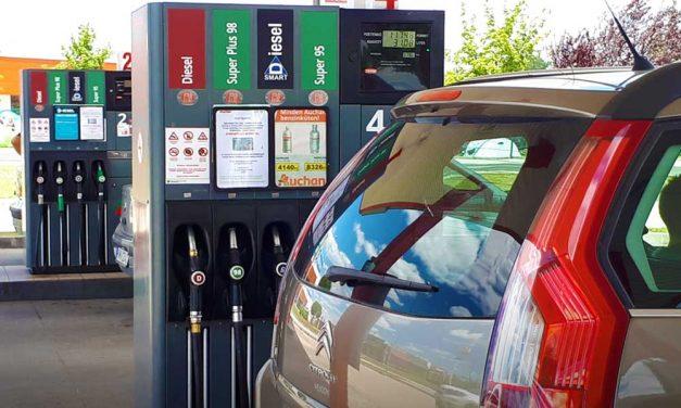 Dupla benzináremelés a héten, mutatjuk hol érdemes tankolni az agglomerációban!