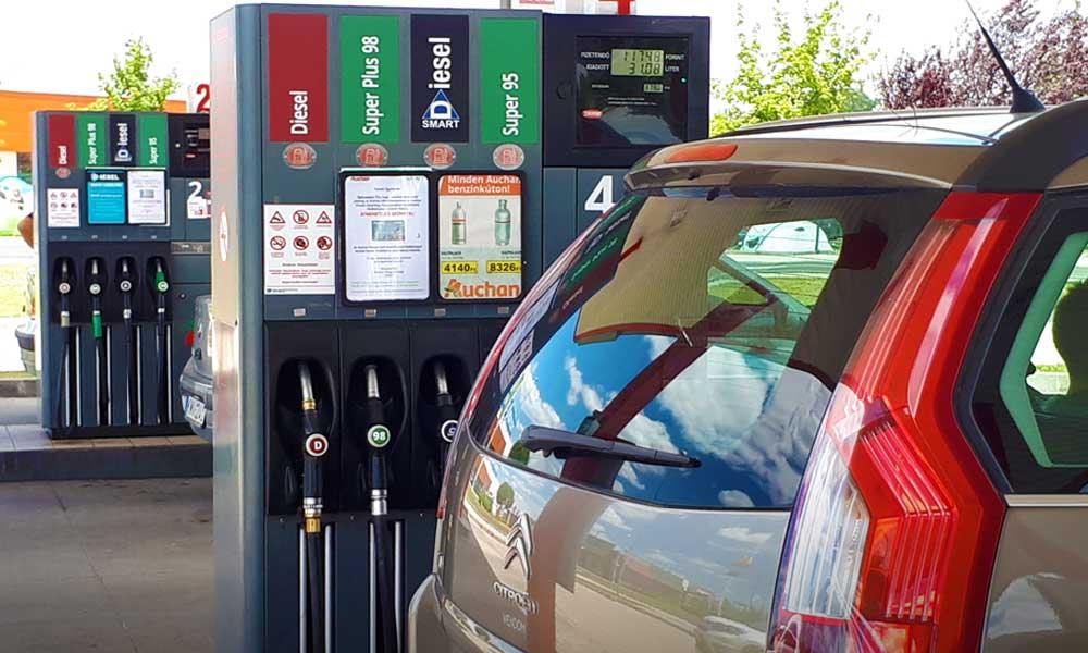 Összeomlott az olajár, miért nem omlik össze az üzemanyagok ára a kutakon?