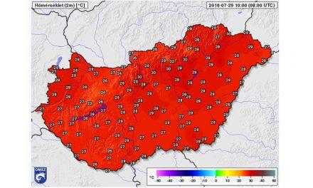 A rendkívüli hőség miatt vasárnap déltől életbe lépett a vörös kód