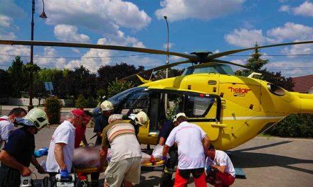 Súlyos sérültek, mentőhelikopter, két azonos baleset. Motoros ütközött autóval