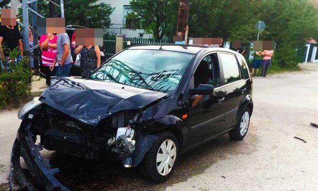 Két autó rohant egymásba Veresegyházán