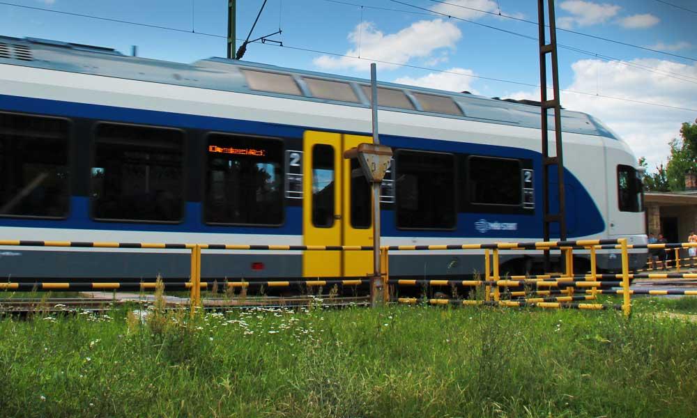Halálra gázolt egy embert a vonat Nagytéténynél
