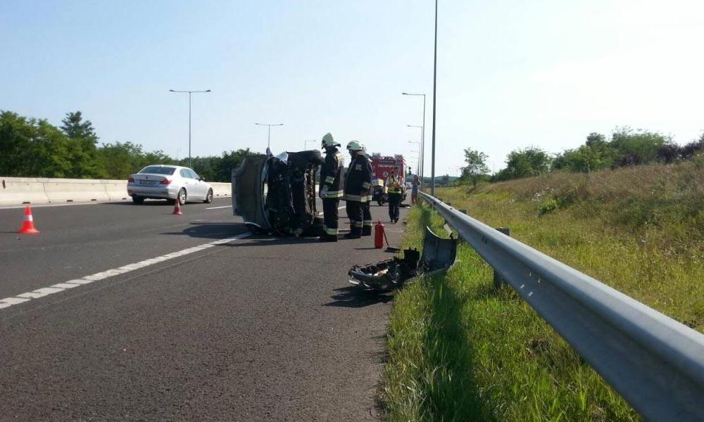 Öt autó ütközött össze az M3-ason Mogyoródnál