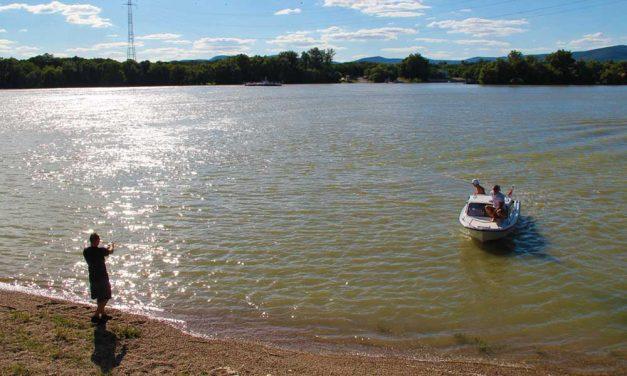 Ráckevénél találták meg a 18 éves fiú holttestét – ő ugorhatott a Lánchídról a Dunába