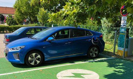Ingyenpénz elektromos autókhoz, itt vannak töltőhelyek az agglomerációban