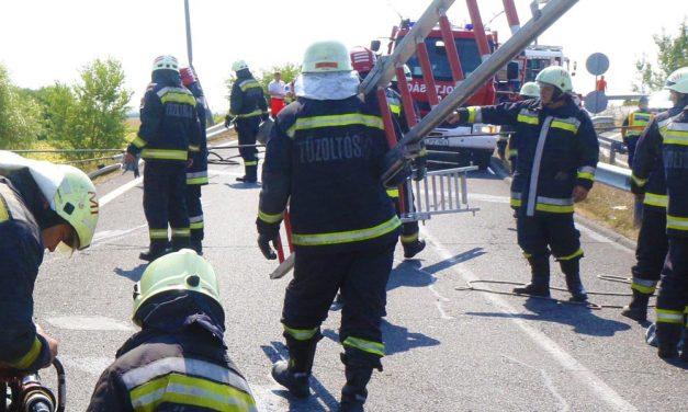 Baleset miatt torlódás van az M7-esen Budapest felé