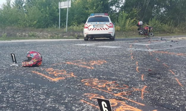 Szörnyethalt egy 27 éves motoros Herceghalomnál, miután egy kukásautóval ütközött, a környéken nagy a torlódás
