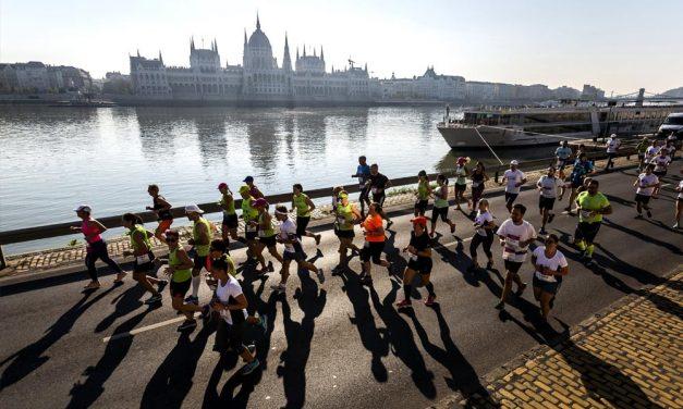 Célba ért a Budapest Félmaraton mezőnye, az egyik agglomerációban élő miniszter is futott