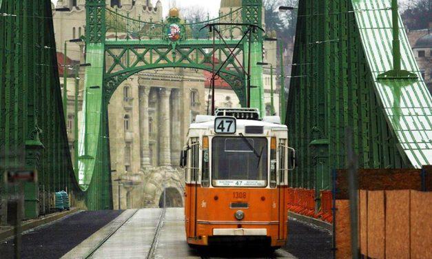 Nehéz lesz közlekedni Budapesten! Megint felújítják a villamospályát