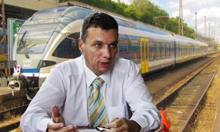 Először bepöccent, most pedig egy nagyot lobbizott a MÁV-nál a dunakeszi polgármester