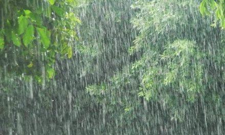 Vasárnapra is másodfokú figyelmeztetéseket adtak ki az intenzív esőzések miatt