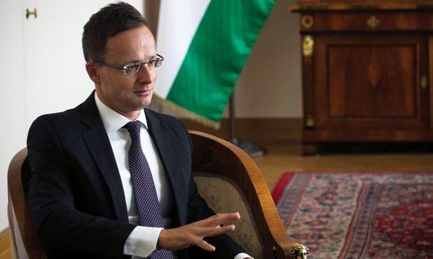 Koronavírusos lett a Dunakeszin élő Szijjártó Péter külügyminiszter, kórházba kellett vonulnia
