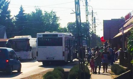 Elfüstölt a zsámbéki busz Pátyon