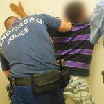 A 24 éves férfi 15 alkalommal lopott, rabolt, autókat tört fel. Most kattant a bilincs