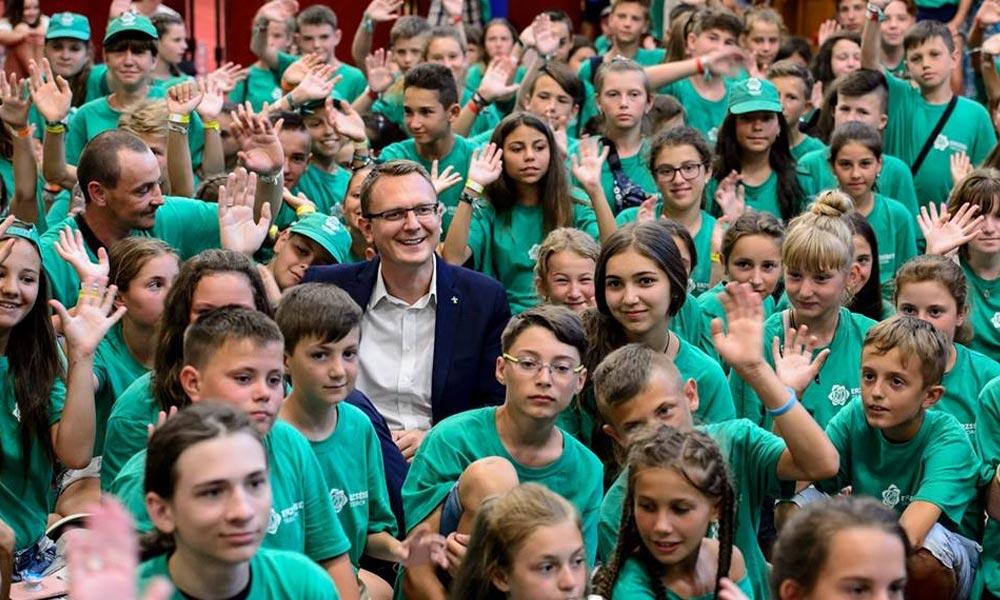 Rétvári Bence: minden korábbinál több támogatás a családoknak az iskolakezdéshez