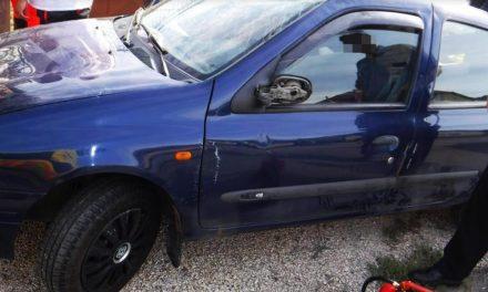 Így néz ki egy Renault bukfencezés után – Fotók