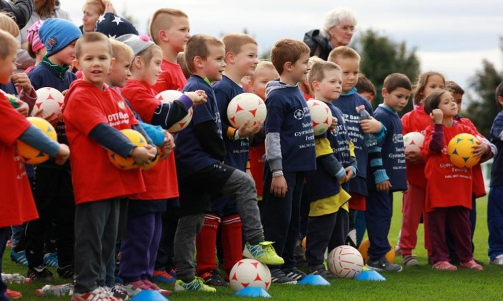 Nyolcszáz gyerek vett rész a Bozsik Program tanévnyitóján Telkiben