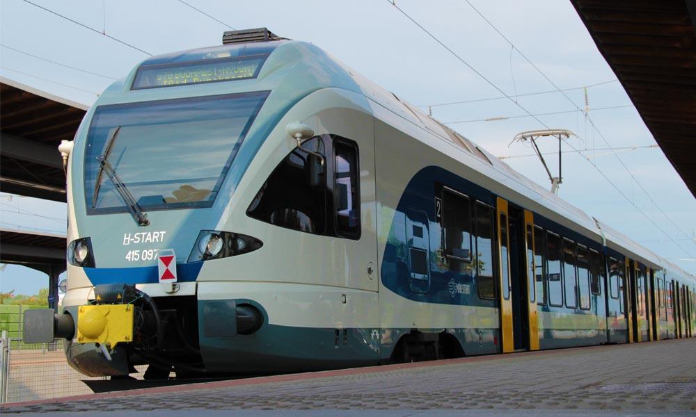 Az agglomerációban van az ország három legforgalmasabb vasútvonala