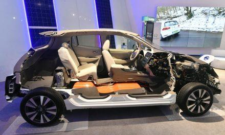 Félbevágott autó a Millenárison, ilyen elektromos autók már az agglomerációban is közlekednek