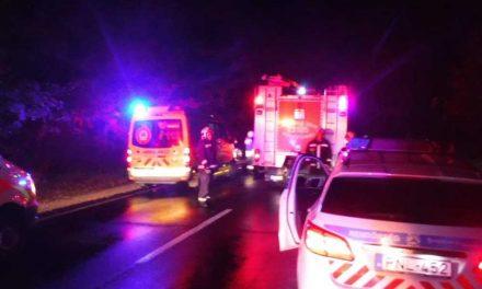 Lángol egy autó a 6-os úton a Campona környékén
