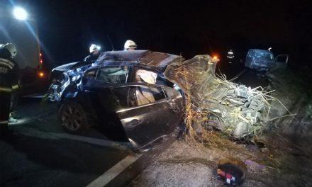 Szörnyű baleset az M2-esen, hét sérült, két gyermek is a roncsokban volt
