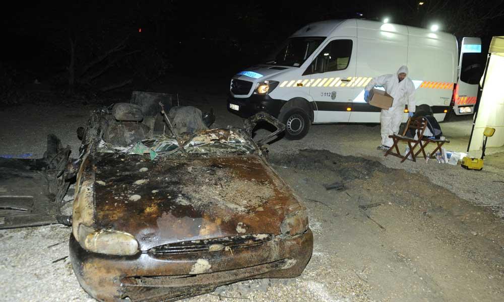 Autót emeltek ki a vízből Dunakeszinél, emberi csontokat találtak benne – helyszíni képek