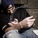 Saját ürülékükben fetrengő, őrjöngő drogosok miatt dühösek Pomázon