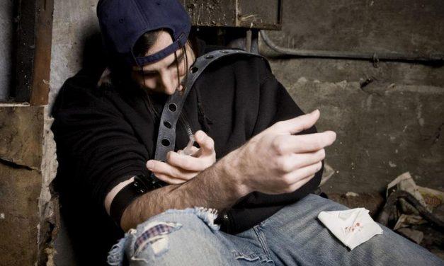 Önkívületben fetrengő drogosok lepték el Kerepest – nagy a baj!