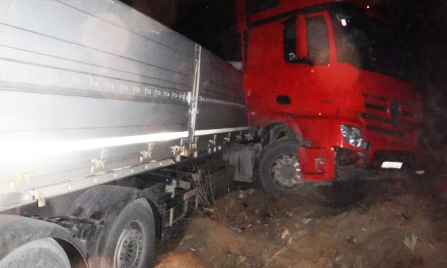 Keresztbe fordult egy kamion az M5-ös kivezetőn