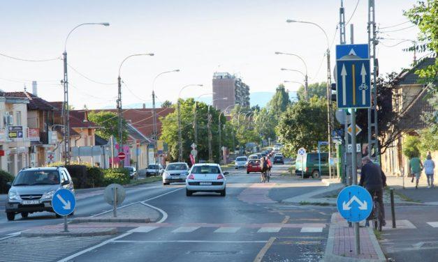 Megálljt parancsoltak a kamionoknak Dunakeszin – korlátozzák a behajtást a városba