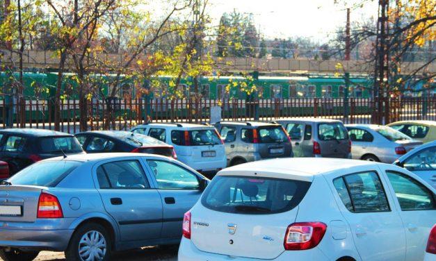 Rossz hír az autósoknak: Itt a térkép, hol lesz új fizetős parkolási zóna Budapest peremén