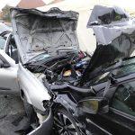 Halálos baleset! Frontálisan ütközött egy Nissan és egy Golf – Fotók!