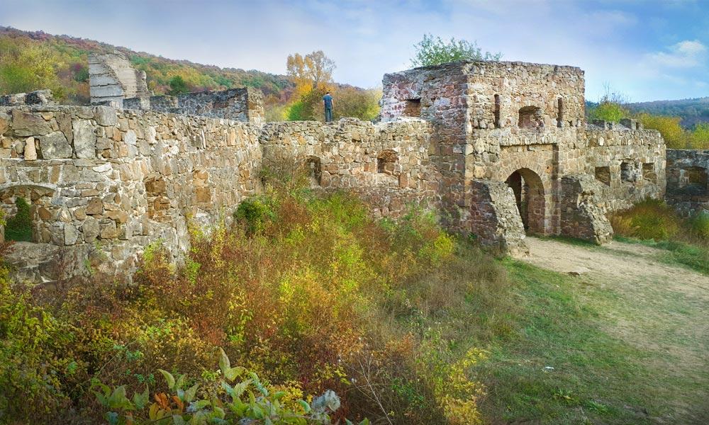 Egri vár másolata a Pilisben: Hősök, apukák és a nagy kaland!