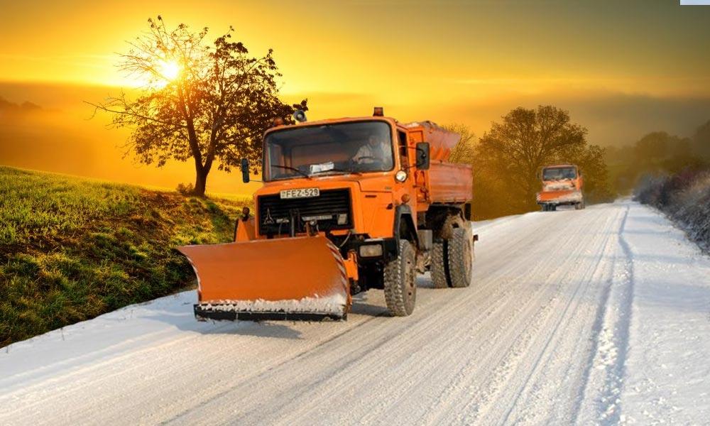 Szinte nyár lesz hétvégén, mégis téli üzemmódra vált az utakat kezelő állami vállalat
