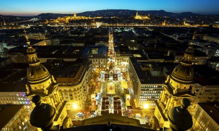 A Bazilika előtt van Európa második legjobb karácsonyi vására