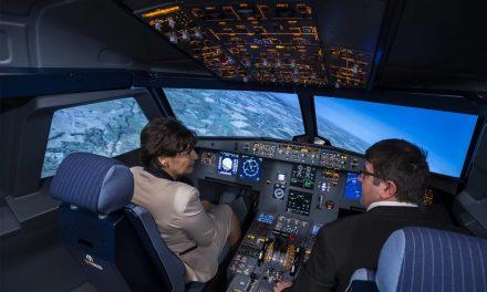 Egyedülálló Airbus-szimulátort adtak át az egyik szakgimnáziumban