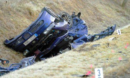Halálos baleset az 1-es úton, óriási erővel csapódtak össze az autók