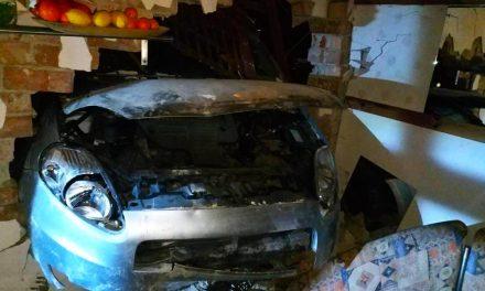 Áttörte az épület falát és a szentendrei kamrában állt meg az autó